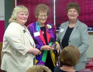Jan Lindgren Receives Award